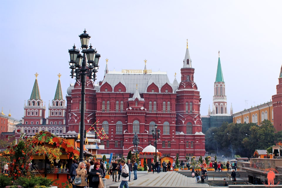 Visiter-Moscou-Kitai-Gorod-Devant-Place-Rouge2