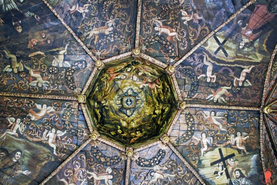 Plafond-de-la-chapelle-des-petinents-noirs-Villefranche-de-Rouergue