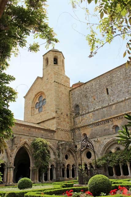 Abbaye-de-fontfroide - Aude - châteaux cathares