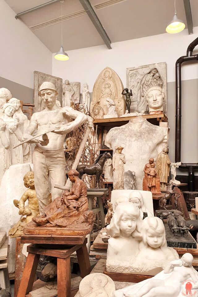 Vue d'une partie des sculptures d'Henri Bouchard au musée la Piscine de Roubaix