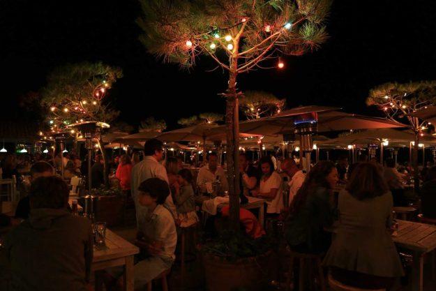 la-corniche-soiree-terrasse