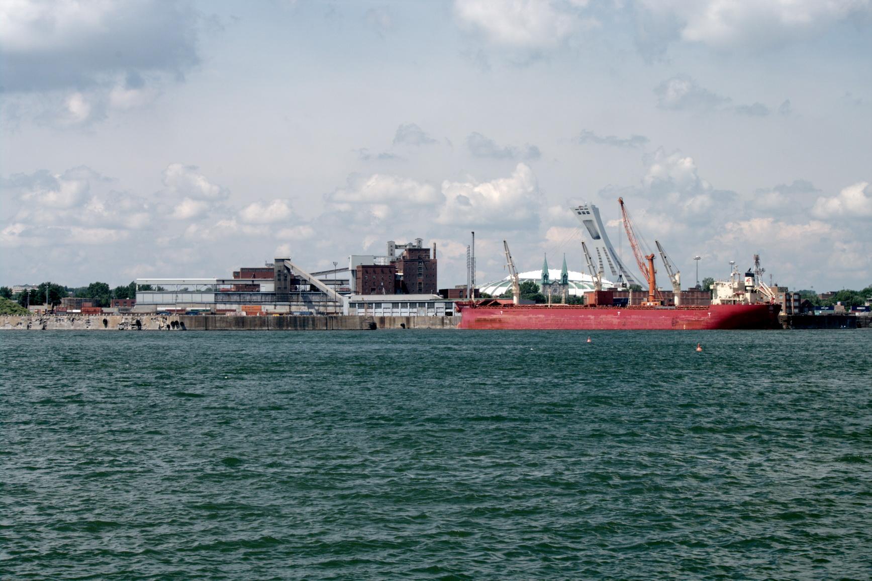 Plus de 26 millions de tonnes de marchandises transitent par le port de Montréal chaque année