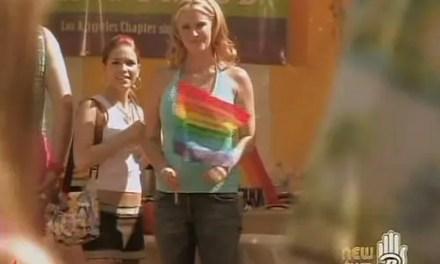 "South of Nowhere Resumen de episodio 3×08 ""Gay Pride"""