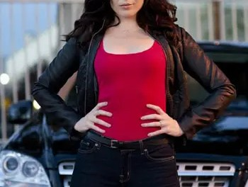 June Raphael será una ginecóloga lesbiana en New Girl