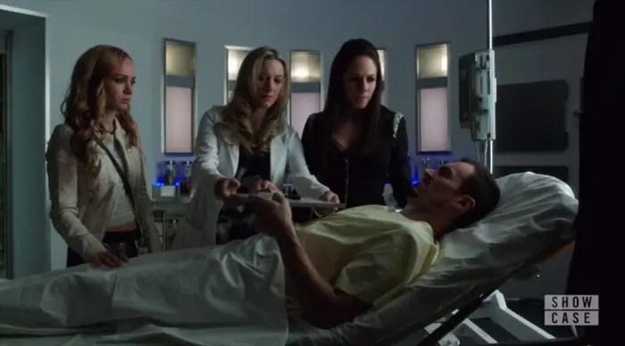 Bo-y-Lauren-cuidan-a-Vex-en-el-hospital