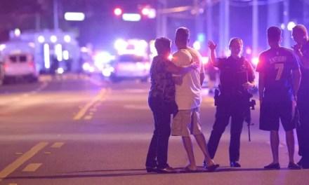 50 personas muertas en tiroteo en una discoteca gay