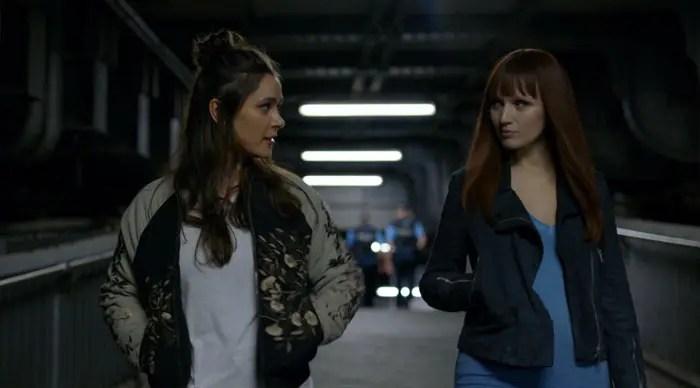Niska y Astrid caminando