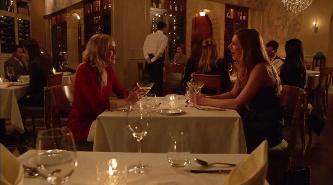 Ava y Sara disfrutando de la cena