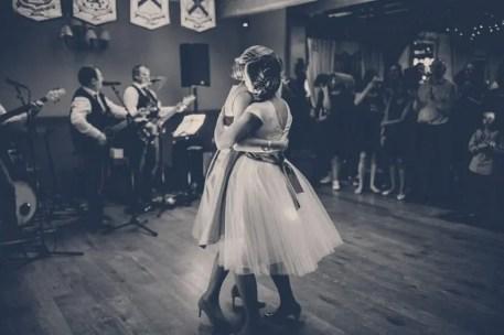 Kristine-y-Emer-baile