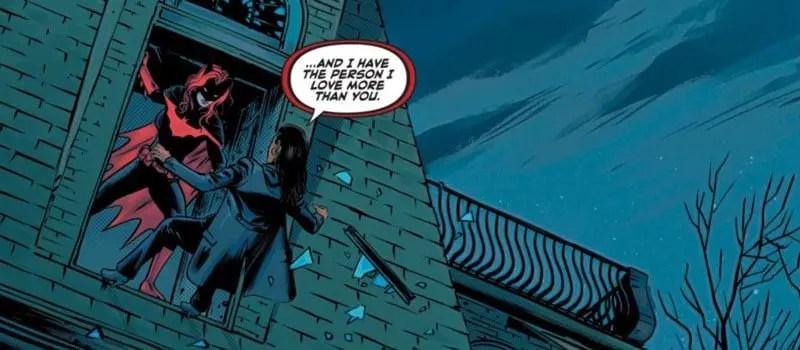 Batwoman luchando con Safiyah