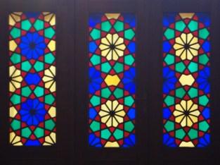 Magnifique vitraux représentant les 4 saisons . On vous laisse deviner quelle couleur correspond à quelle saison!