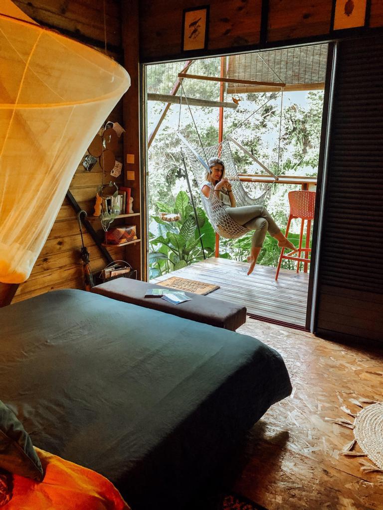 Stef teste The Bird House à Saint-Joseph de La Réunion.