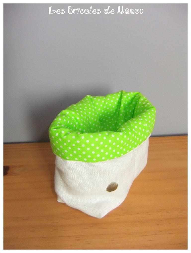 Petit panier range tout vert et blanc à pois