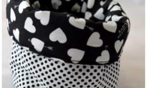 Grand panier range tout noir et blanc