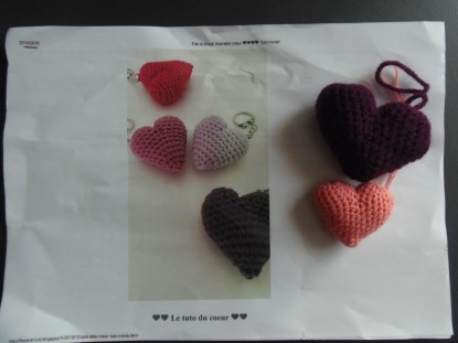petits coeurs d'après le tuto de Fée du tricot