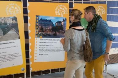 18 et 19 septembre 2015, Vote pour le budget participatif : L'heure des choix sur les différentes propositions pour les grenoblois. Lieu : Hôtel de Ville. Photo : accord des participants. © Alain FISCHER 2015, Ville de Grenoble.