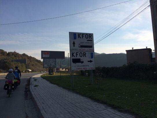 Au Kosovo, la KFOR est présente partout
