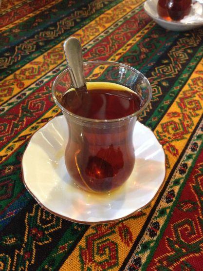 Incontournable (et délicieux) çai (prononcer tchaï) turc