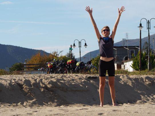 Séance yoga à la plage
