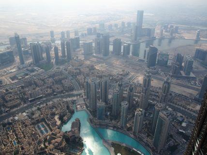 Depuis la Burj Khalifa les autres gratte-ciels sont des nains...