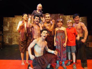 Séance photo avec les artistes du cirque Phare