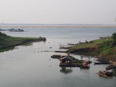 Début de journée sur un affluent du Mékong