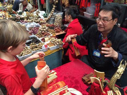 """Visite du """"marché aux voleurs"""". Pas vu de voleurs mais beaucoup de beaux objets"""
