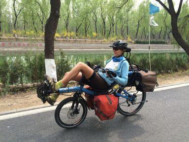 Allez encore un petit bout de route sur le vélo couché
