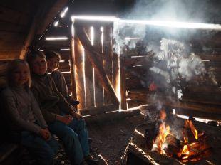 Hutte traditionnelle avec son foyer central