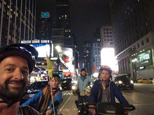 Premiers tours de roue aux USA avec une traversée de Manhattan by night !
