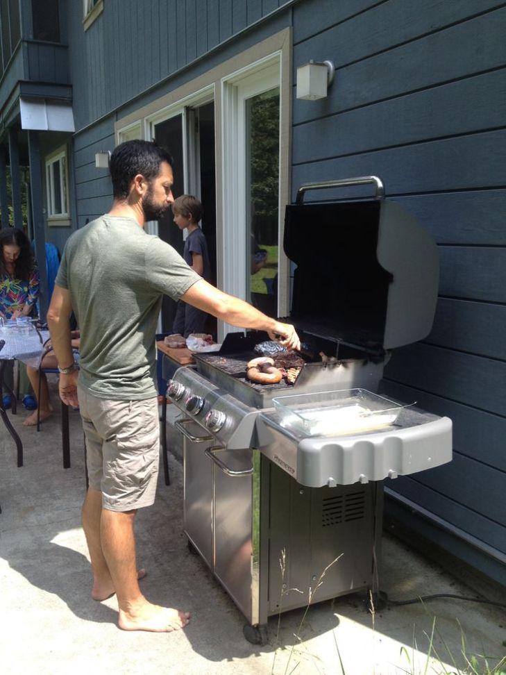 Un WE à la campagne sans barbecue, ce n'est pas imaginable par ici.