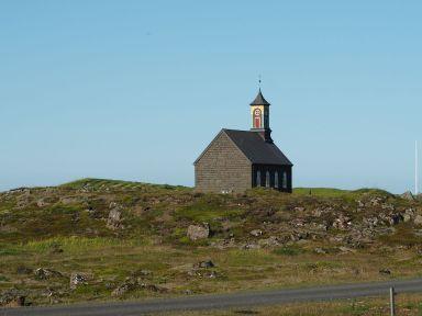et des églises non moins isolées