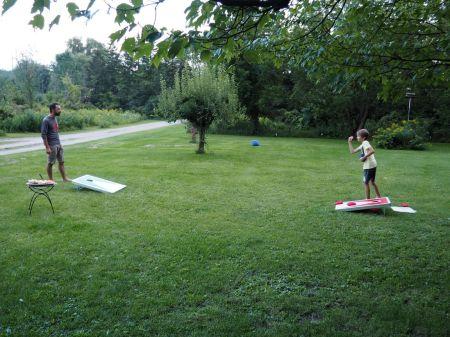 Chez Martha et Gary dans le Vermont, nous sommes initiés au jeu du cornhole