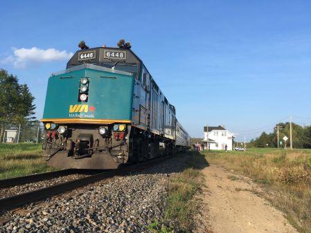 Notre train c'est : une loco...