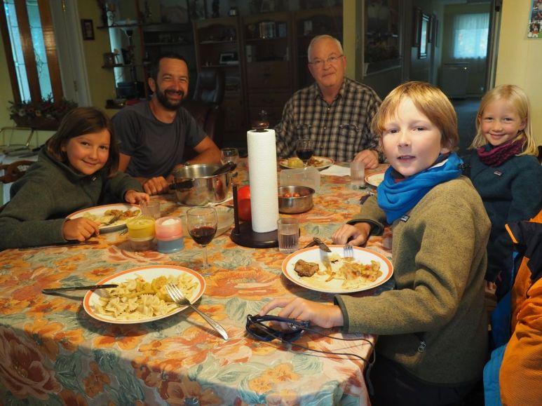 Première nuit après Québec, Daniel partage sa soirée avec nous et nous offre sa chambre d'amis !