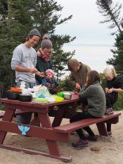 Avec nos voisins de camping nous sommes allés à la pèche aux oursins