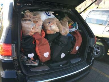 Il fallait bien cette taille de coffre pour mettre toutes nos sacoches!