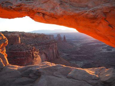 et une nouvelle journée qui commence à Mesa Arch