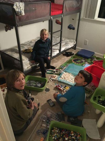 Chouette une vraie chambre d'enfant et un copain