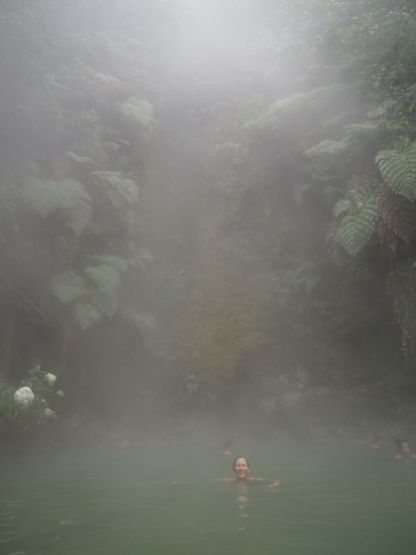 Et au retour, baignade dans les sources thermales... aaaaaahhh c'est bon !