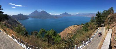 Une dernière vue du lac et ses 3 principaux volcans