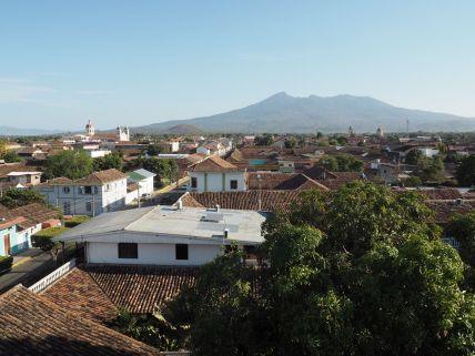 Granada sur fond de volcan Mombacho