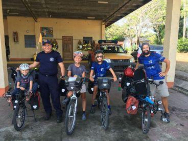 Accueil chez les pompiers de la Panaméricaine