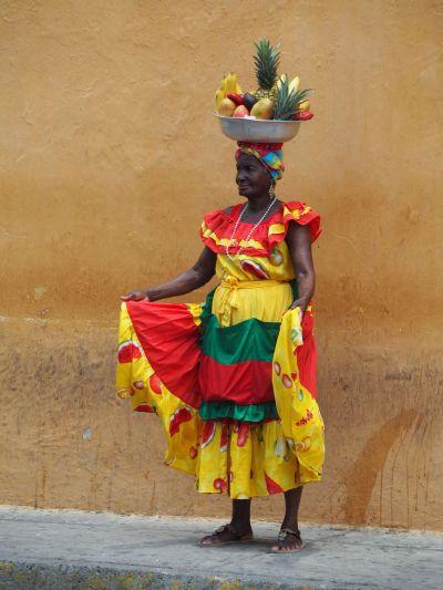 une Palenquera: Ces femmes font parties intégrantes du folklore de Cartagena