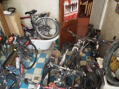 Il y a des vélos dans tous les sens !