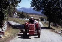 Lesches Yves et ancien tracteur