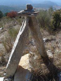 Cairn sentier pied du Puy