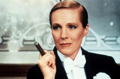 cigare,victor victoria,julie andrews