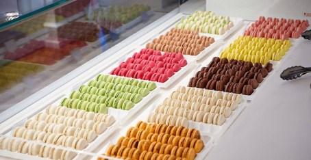 Elisabeth Biscarrat http://www.elisabeth-biscarrat.com/boutique/ Sans aucun doute les meilleurs macarons de Strasbourg.