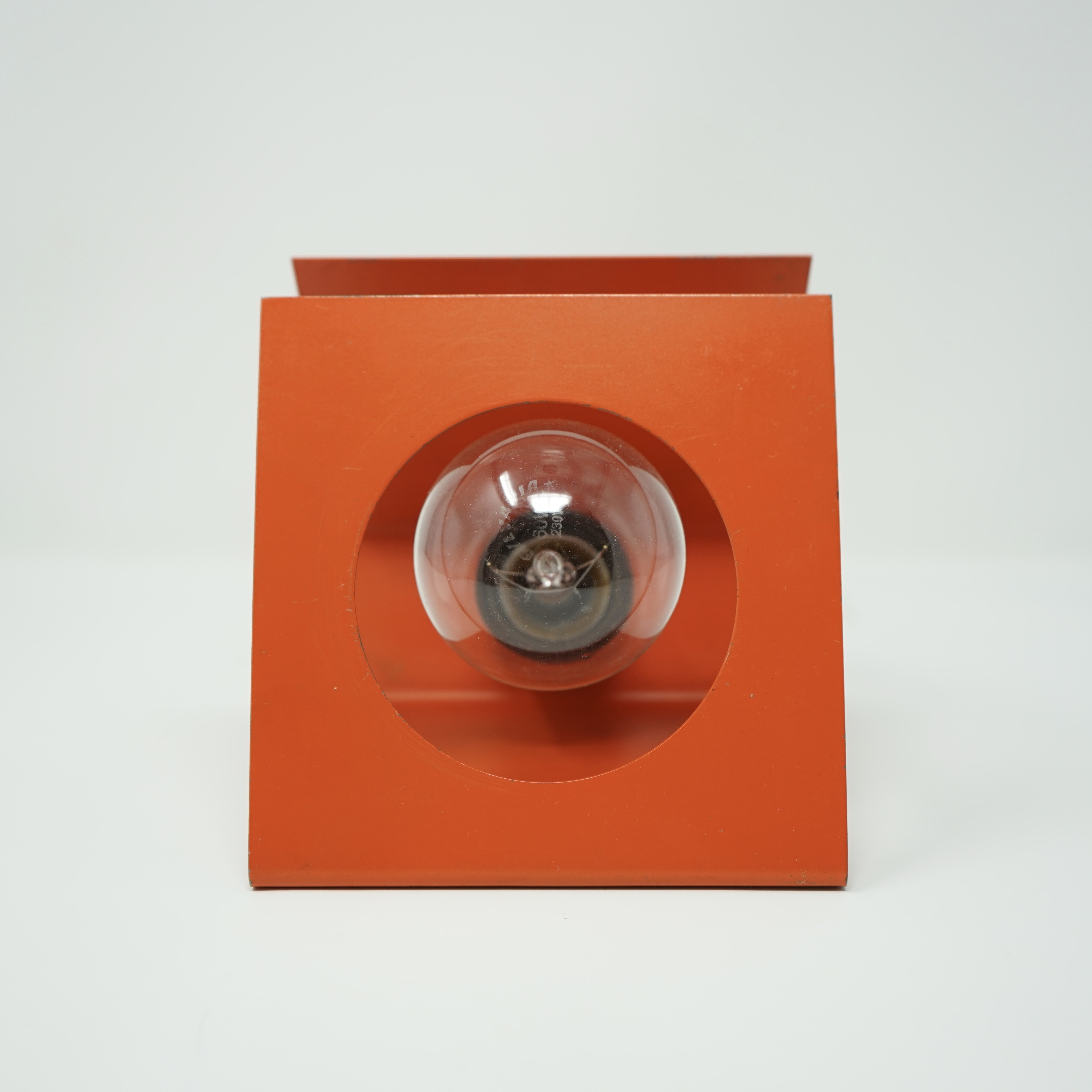 Lampe Orange en Tôle Pliée Années 70 Bis